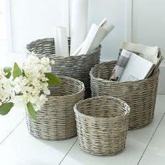S/4 washed wicker baskets