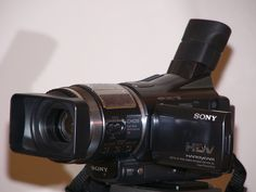 Sony HDR-HC1 (2005) Television Set, Light Sensitivity, Cmos Sensor, Zeiss, Shutter Speed, Camcorder, Digital Image, Sony