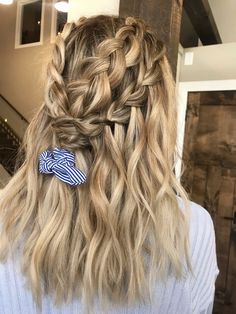 Pretty Hairstyles, Braided Hairstyles, Summer Hairstyles For Medium Hair, Hairstyles Videos, Hairstyles 2018, Braided Updo, Medium Hair Styles, Curly Hair Styles, Dramatic Hair