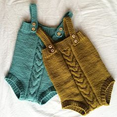 These are too cute! Knit by Instagram user @martehasselo in Quince & Co. Lark.