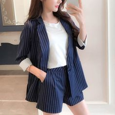 One Button Notched Blazer and High Waisted Shorts Cute Comfy Outfits, Classy Outfits, Cool Outfits, Casual Outfits, Suit Fashion, Look Fashion, Girl Fashion, Fashion Outfits, Lolita Fashion