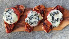 Grillet skinkebiff med blåmuggost og tomat - Kos - Oppskrifter - MatPrat