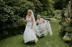 How to get timeless wedding photographs. Enchanted Brides Photography