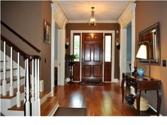 A welcoming entry way to wow your guests #CharlestonSCRealEstate