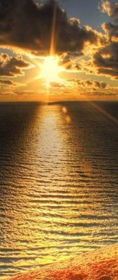 Sand+beach+sunset+HD = Beautiful sunset at a sandy beach! Foto Picture, Beautiful Places, Beautiful Pictures, Amazing Sunsets, Sunset Sky, Sunset Beach, Beach Sunsets, Beautiful Sunrise, Beautiful Ocean