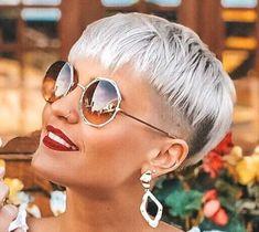 Great gray hairstyles that we love – women's hair models - Hair Beauty Short Grey Hair, Very Short Hair, Short Blonde, Braids For Long Hair, Short Hair Cuts, Short Hair Styles, Hair Regrowth Shampoo, Anti Hair Loss Shampoo, Over 60 Hairstyles