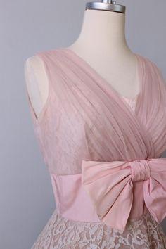 1950s Dress / 50s Party Prom Dress / Pink Lace Dress / Bubble Bath
