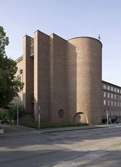 Krankenhauskirche St. Elisabeth Köln-Hohenlind in Köln, Architektur - baukunst-nrw