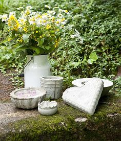 Concrete garden décor - ideas, (Finnish -translation needed)