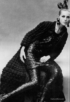 1966 fashion...that knitted long sweater/coat!!!!!!!