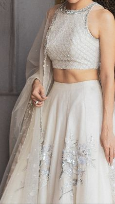 A-Line Wedding Dresses Collections Overview 36 Gorgeou… Indian Bridal Outfits, Indian Designer Outfits, Indian Lehenga, Lehenga Designs, Indian Gowns Dresses, Pakistani Dresses, Lehnga Dress, Dress Indian Style, Indian Attire