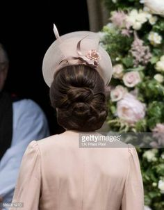Catherine Duchess of Cambridge attends the wedding of Pippa Middleton and James Matthews at St Mark's Church on May 20 2017 in Englefield Green… Pippa Middleton Wedding, Kate Middleton Hair, Up Hairstyles, Wedding Hairstyles, Pippas Wedding, Kate Middleton Pictures, Duchesse Kate, Herzogin Von Cambridge, Princesa Kate