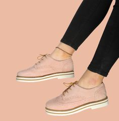 26 types of shoes so comfortable that you want to have them right now in your closet - Schuhe - Zapatos Pretty Shoes, Beautiful Shoes, Cute Shoes, Me Too Shoes, Cute Casual Shoes, Shoes Sneakers, Shoes Heels, Oxford Shoes Outfit, Dream Ring
