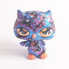 This little guy was commissioned by a lovely customer. He is SOLD. Please do not copy!  #arttoy #bellevueohio #customtoy #customlps #designertoy #toyphotography #toycommunity #vinyltoy #designervinyltoys #lps #lpscustom #lpscustoms #littlestpetshop #lpsowl #owl #galaxy