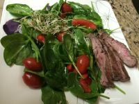 Spinach, Pepper, Tomato, Alfalfa Sprout  & Skirt Steak Salad