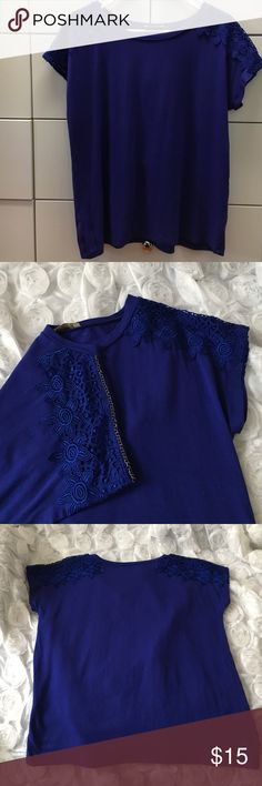 """Gorgeous top💙💙 In great condition! 100% viscose fabric. Soft and comfy. Fits like large, measures 39-40"""" across the chest. LAL Tops Tees - Short Sleeve"""