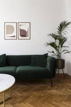 Living Room Green, Living Room Modern, Living Room Chairs, Living Vintage, Vintage Sofa, Home Interior Accessories, Interior Design, Sofa Bed Design, Living Room Decor Inspiration