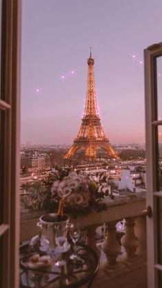 Aesthetic Paris wallpaper