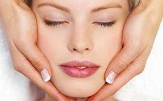 Bagi wanita, merawat wajah merupakan investasi di masa yang akan datang. Jadi tak heran jika ba...