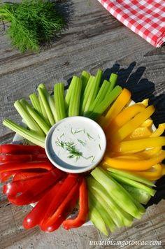 Warzywa z dipem Finger Foods, Celery, Dip, Vegetables, Salsa, Finger Food, Vegetable Recipes, Veggies, Snacks