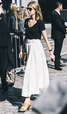 I love this maxi skirt and top combo! The heels are the perfect offset for where the skirt ends.
