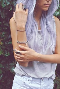 I really like the color, I would love to do it but my boss would kill me! #haircolor #pastel #hairstyle