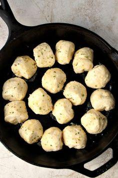 Garlic Parmesan Skillet Rolls RecipeReally nice recipes. Every  Mein Blog: Alles rund um Genuss & Geschmack  Kochen Backen Braten Vorspeisen Mains & Desserts!