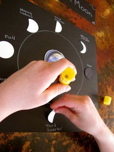 Activities for learning about the moon. Will be perfect for my science unit on space!