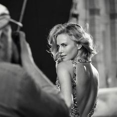 White Photography, Portrait Photography, Imperator Furiosa, Christian Dior, Charlize Theron Oscars, Hollywood, Peter Lindbergh, Black And White Portraits, Up Girl
