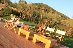 Zitjes bij het zwembad agriturismo Florence Outdoor Furniture Sets, Outdoor Decor, Sun Lounger, Florence, Travel Inspiration, Holiday, Home Decor, Chaise Longue, Vacations