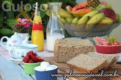Pãozinho quente é um chamado para saborear com um cafezinho ou leite, não é? Para o#lanche temos um delicioso Pão Integral 3 Farinhas na MFP!  #Receita aqui: http://www.gulosoesaudavel.com.br/2015/07/13/pao-integral-3-farinhas-mfp/
