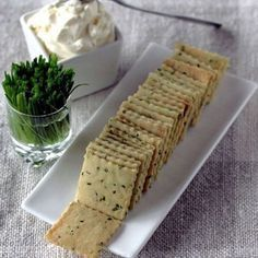 Aprenda a fazer essa receita de Cream cracker Low Carb que fica perfeita para o lanche a qualquer hora!