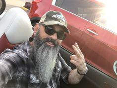 Beard Cuts, Car Selfies, Grey Beards, Awesome Beards, Bearded Men, Hot Guys, Captain Hat, Hipster, Mens Fashion