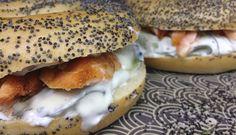 Salmón y pepino en bagel con semillas de adormidera  - SANDWISHARE