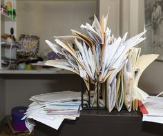 Clutter can have an impact on both your mental and physical health, but it doesn't have to. Use these tips to help you take control, and find out when it becomes a hoarding problem. Messy Desk, Messy Room, Paper Organization, Organizing Ideas, Organising, Decluttering Ideas, Office Organization, Organizing School, Organization Skills