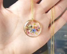 Jewelry OFF! Real Flower in Resin Pendant Flower Confetti Necklace Pressed Flower Necklace Gold Leaf Natural Dainty Gift for Her Cute Jewelry, Diy Jewelry, Women Jewelry, Fashion Jewelry, Jewelry Making, Resin Necklace, Flower Necklace, Flower Jewelry, Gold Necklace