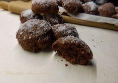 I Biscotti Morbidi al Cioccolato e Panna,sono dei bocconcini morbidissimi e cioccolatosi A renderli cosi' morbidi,è la panna