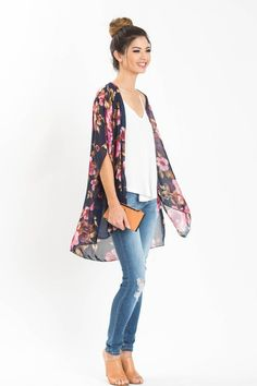 Floral kimonos are the statement piece you can never have too many of! This unique navy floral print is the perfect transition piece for Spring! We love pairing this with our comfiest ripped jeans and Kimono And Jeans, Look Kimono, Cardigan Outfits, Casual Outfits, Cute Outfits, Fashion Outfits, Womens Fashion, Tokyo Fashion, Kimono Fashion