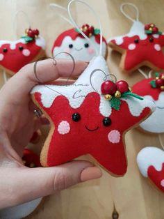 Christmas Makes, Noel Christmas, Christmas Toys, Christmas Projects, Handmade Christmas, Christmas 2019, Felt Christmas Decorations, Felt Christmas Ornaments, Christmas Favors