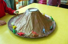 Make a Baking Soda and Vinegar Volcano: Make a baking soda and vinegar volcano in the kitchen! Source: Flickr user hfb