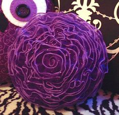 How to make a DECORATIVE Flower Pillow
