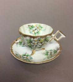 Napco Original Hand Painted White Flowers Erware Three Legged Tea Cup Saucer Sd180