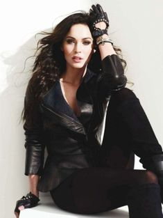 Like a Fox – Actress Megan Fox stuns in the September cover shoot from Italy's Amica Magazine. Photographed by Richard Phibbs and outfitted by Sarah Gore Reeves… Style Megan Fox, Megan Fox Photos, Rock Style, My Style, Megan Denise Fox, Hollywood, Biker Chick, Biker Style, Couture