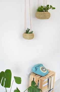 Make these DIY IKEA hack seagrass hanging planters in less than 30 minutes.