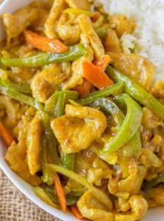 Easy Curry Chicken Just Like Your Favorite Chinese Takeout Restaurant With Curry Sauce, Bell Peppers, Carrots And Onions. Start To Finish In Less Than 30 Minutes, Faster Than Delivery! Healthy Chinese Recipes, Indian Food Recipes, Asian Recipes, Healthy Recipes, Easy Chicken Curry, Easy Chicken Recipes, Chinese Chicken, Chinese Curry Recipe, Curry Dishes