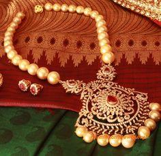 south-sea-pearls-necklace-diamond-pendant