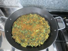 Frittata - omelet with pasta and spinach www.easyitaliancuisine.com