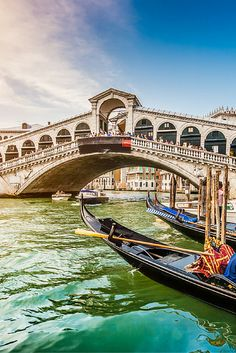 Op zoek naar een romantische citytrip? Boek dan je ticket naar Venetië en ga vier dagen deze stad ontdekken! https://ticketspy.nl/?p=125877