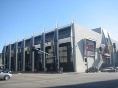 PetersonMuseum 01 - Petersen Automotive Museum - Wikipedia, the free encyclopedia