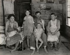 sharecropper_s-family-web.jpg 1,400×1,115 pixels